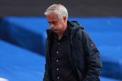 José Mourinho ganó títulos con todos los clubes que dirigió, a excepción del Tottenham con el que lleva menos de una temporada trabajando (Reuters)
