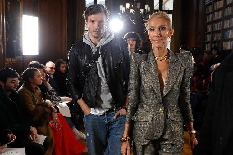 Céline Dion y Pepe Muñoz, en París. (AFP)