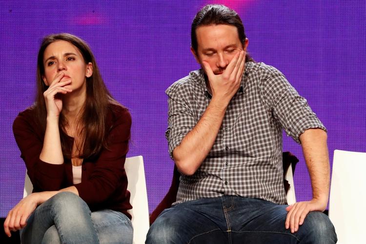 Irene Montero dio positivo en la prueba y Pablo Iglesias quedó en cuarentena (Reuters)
