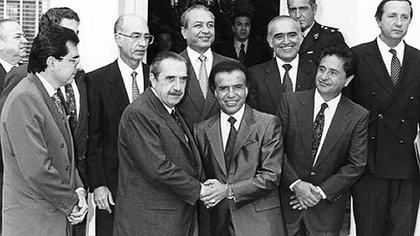 El 4 de noviembre de 1993 Raúl Alfonsín y Carlos Menem se reunieron en la casa de Dante Caputo, en la localidad bonaerense de Olivos (NA)