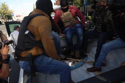"""La Fiscalía de Jalisco informó que los agentes que realizaron detenciones arbitrarias actuaron """"por la libre"""" (Foto: Twitter@MetropolitanoAg)"""