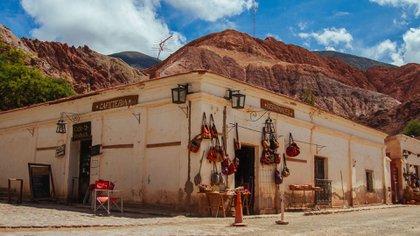 El pueblo de Purmamarca se encuentra a 2324 metros de altura