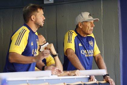 Herrón, Somoza y Russo evalúan opciones para reforzar a Boca por la baja de Salvio