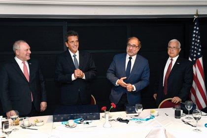 Steve Scalise, Sergio Massa, Jorge Argüello y Edward Prado durante el encuentro de hoy