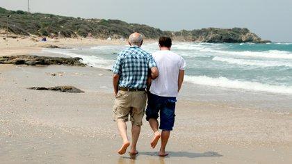 Entre los 34 años y los 60 años el cuerpo tiene dos puntos claves de cambios en las proteínas que produce, los cuales marcan la edad adulta joven y la mediana edad tardía.