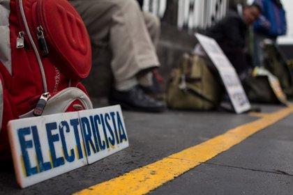 Cuatro de cada 10 trabajadores independientes resintió la falta de ingresos por la escasez de clientes (FOTO: DAVID POLO/Cuartoscuro)