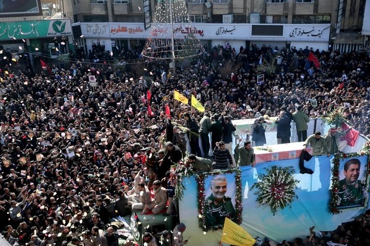 El funeral en Kerman, la ciudad natal de Soleimani (Reuters)