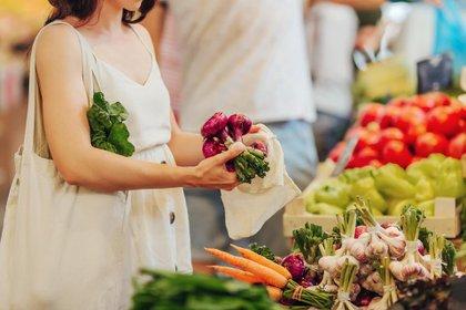 La pandemia permitió redefinir la alimentación y elaborar más platos caseros, aseguran los expertos (Shutterstock)