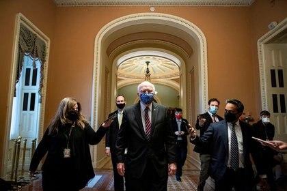 Le sénateur démocrate Patrick Leahy se rend à son bureau de Capitol Hill, Washington (REUTERS / Al Drago)