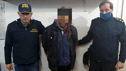 El joven fue detenido por efectivos de la DDI de Moreno y de la Policía Federal
