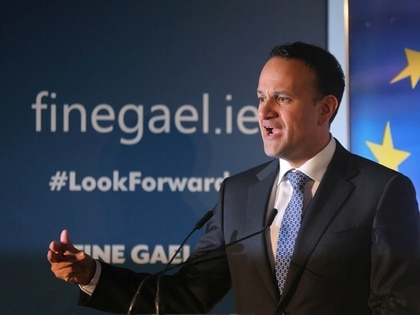 El Taoiseach Leo Varadkar y líder Fine Gael al presentar la plataforma electoral de su partido el 24 de enero en Dublín (REUTERS/Lorraine O'Sullivan)