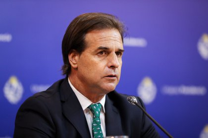 """""""Luis Lacalle Pou fue crucial para concretar el acuerdo"""", informó la Conmebol (Foto: EFE)"""