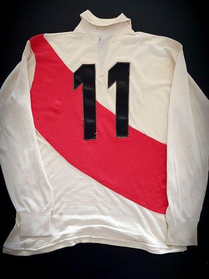 La camiseta usada por el juvenil Francisco Groppa en el año 1975, luego de 18 años sin salir campeón
