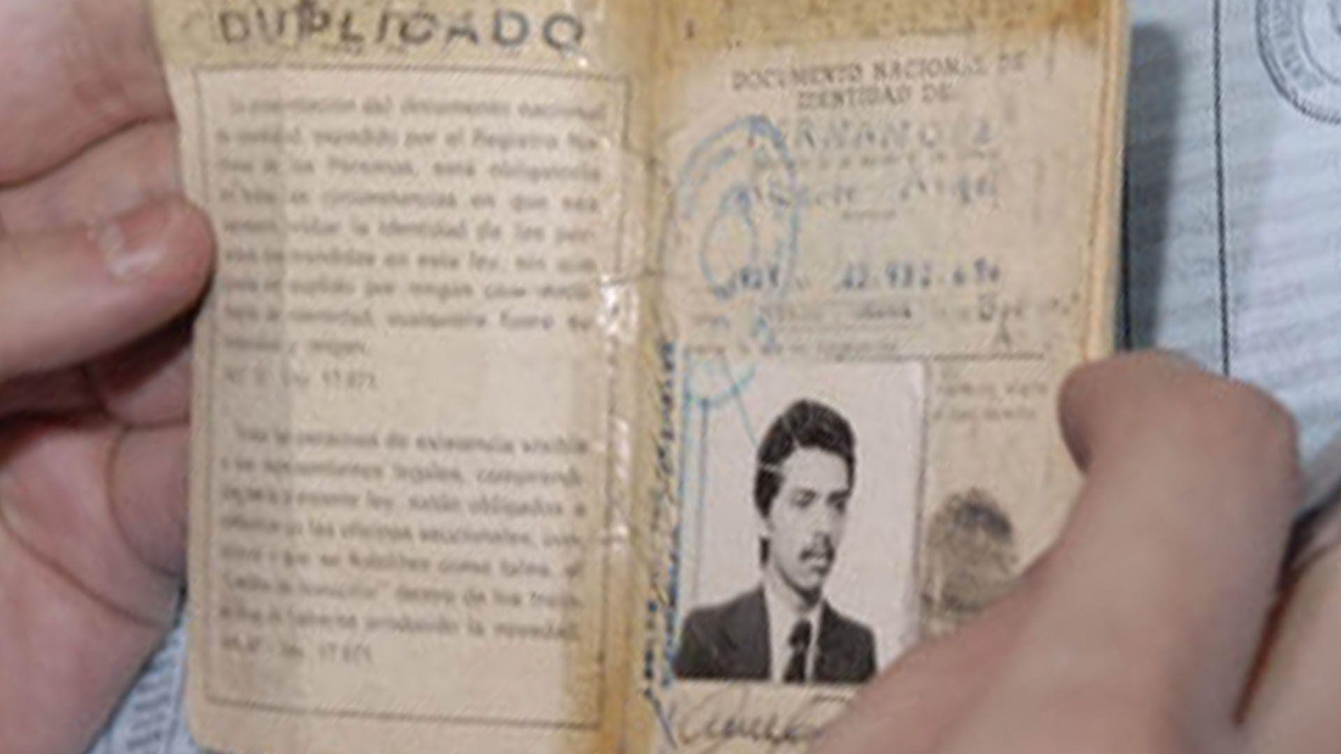 Nació el 2 de abril de 1959 como Alberto Ángel Fernández, en la ciudad de Buenos Aires. Al recorrer ayer el Sanatario Antártida, recordó que había nacido en esa clínica, cuando tenía otro nombre.