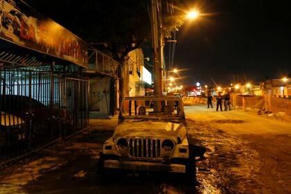 Los restos del narcobloqueo en Celaya, Guanajuato (Foto: REUTERS/Sergio Maldonado)
