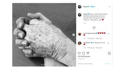El posteo de Boneta, que muestra su mano entrelazada con la de su abuela