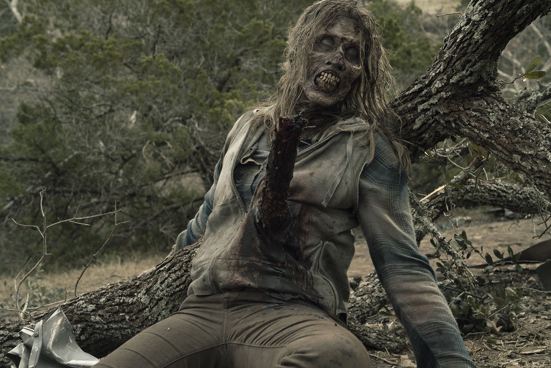 Hay dos tipos de zombies en las grabaciones: los que están maquillados y caracterizados durante toda la jornada, y los que se pueden quitar sus máscaras (Foto:Ryan Green/AMC)