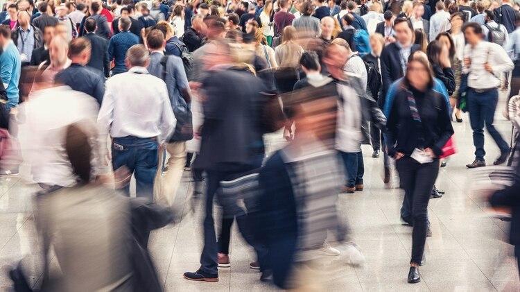 """El Servicio Nacional de Salud define la condición como """"un temor de estar en situaciones en las que escapar podría ser difícil o la ayuda no estaría disponible si las cosas salen mal"""" (Shutterstock)"""