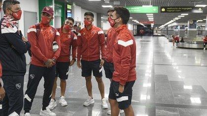 Una parte de la delegación de Independiente no pudo ingresar a Brasil