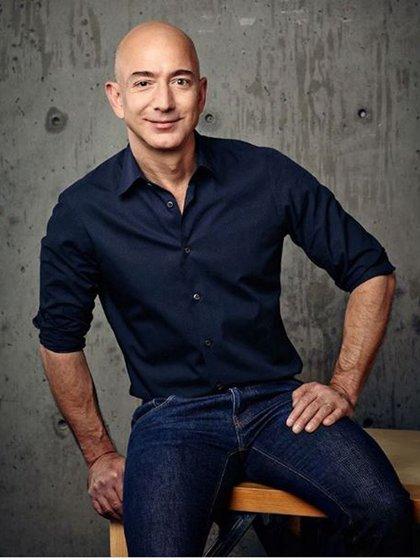 El fundador y director ejecutivo de Amazon ha estado bajo la lupa no por su inteligencia o conocimiento del negocio, sino por su cuerpo trabajado (Instagram)
