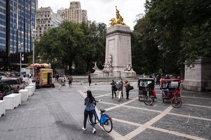 Peatones y ciclistas en el Parque Central de Nueva York, el 5 de octubre de 2020. (Karsten Moran/The New York Times)