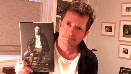 """""""Han llegado los ejemplares de mi libro 'No hay tiempo como el futuro' (No hay tiempo como el futuro).  Tengo muchas ganas de que todos lo lean """", anunció Michael J. Fox en su cuenta de Instagram (@realmikejfox)"""