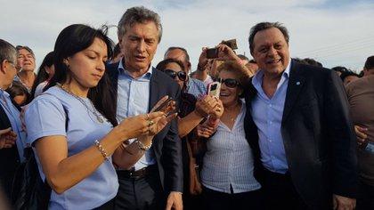 Mauricio Macri y Gustavo Santos en Concepción, Corrientes