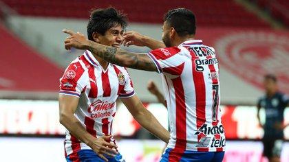 El entrenador de los tapatíos reconoció que a sus pupilos les ha faltado contundencia en los últimos partidos (Foto: Twitter/ @Chivas)