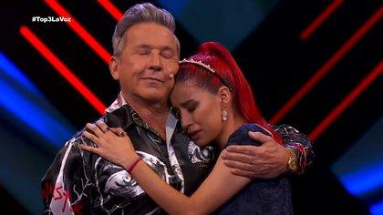 """El escenario de La Voz México se llenó de lágrimas y nostalgia en el inicio de su nueva fase """"Top 3″."""