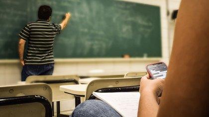 El costo de la educación en México: cuánto gana un maestro de nivel básico