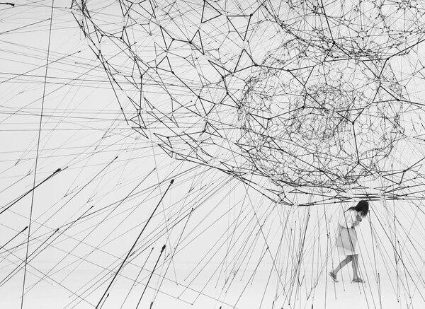 El tejido de una nueva era, en el arte natural y cósmico de Tomás ...