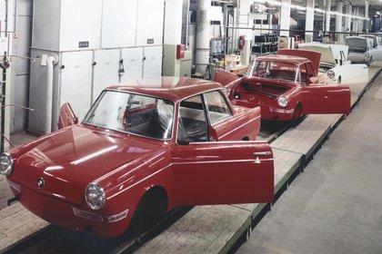 El BMW 700 nación con la premisa de optimizar los costos de producción de la compañía.