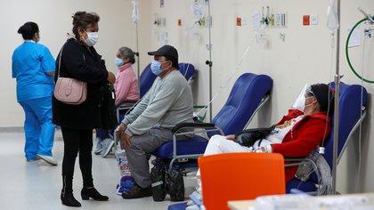 Ecuador declaró el confinamiento los fines de semana y toque de queda nocturno por el aumento de casos de COVID-19