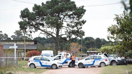 La Policía local, Defensa Civil y la Guardia Urbana acordonaron la zona (Diego Medina)