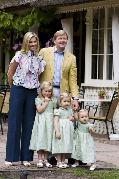 Guillermo y Máxima de Holanda con sus tres hijas de pequeñas