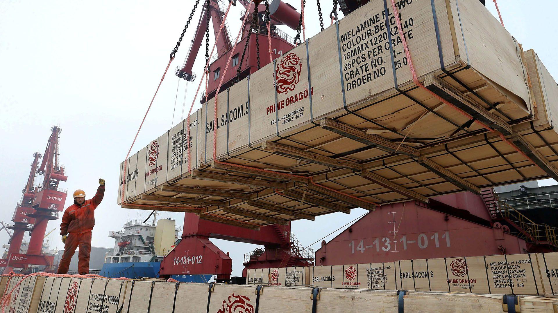 Las exportaciones de los países latinoamericanos a China ayudaron a la región durante la crisis de 2008. Ahora, podrían hundirla. (Reuters)
