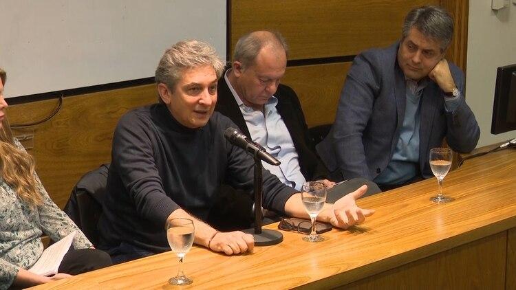 """El periodista y biólogo Sergio Federovisky expuso en el último ciclo """"Argentina: Estado, Ética y Sociedad"""" realizado en la Universidad de Ciencias Empresariales y Sociales (UCES),"""