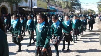 El desfile escolar se llevó a cabo el lunes 9 de julio