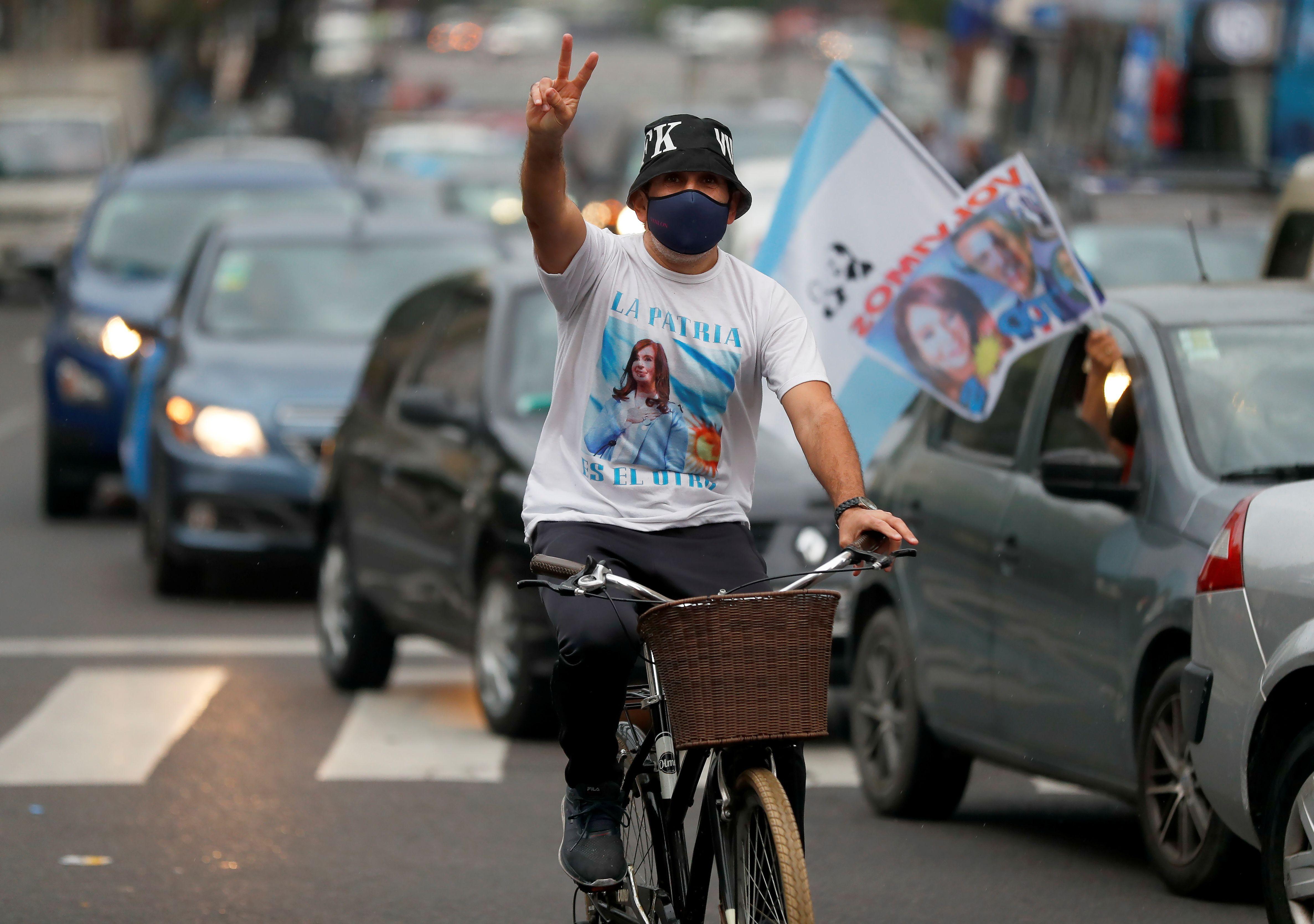 Uno de los participantes de la caravana (Foto: Reuters)