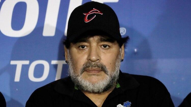 Diego Maradona fue sondeado por Defensa y Justicia (REUTERS)