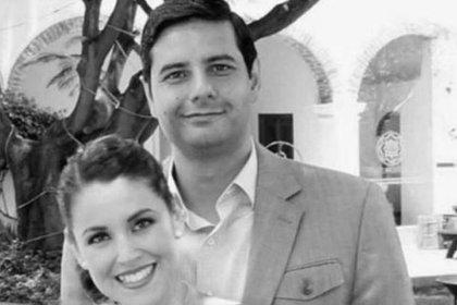 Uriel Villegas y su esposa, Verónica Barajas, quienes murieron tras seer atacados por dos hombres que se hicieron pasar por compradores de autos (Foto: Especial)