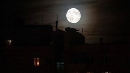 La luna llena en la cultura celta era sinónimo de renovación y socesha (Foto: Reuters/ Maxim Shemetov)