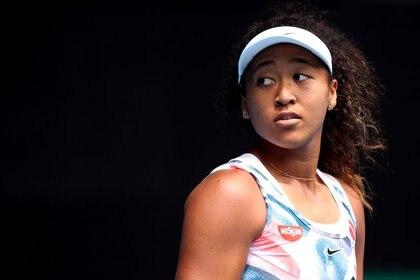 Imagen de archivo de la tenista japonesa Naomi Osaka durate su partido contra la china Saisai Zheng por la segunda ronda del Abierto de Australia en Melbourne Park, Melbourne, Australia. 22 de enero, 2020. REUTERS/Hannah Mckay