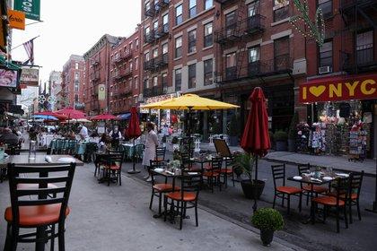Los restaurantes de Nueva York Trasladaron sus servicios a las terrazas (Reuters)