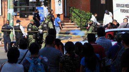 Morelos ocupa el sexto lugar en cuando al robo a negocios, con 1,884 registros. En el delito de homicidio con arma de fuego se ubica en el séptimo, con 493 hechos. En noveno lugar, con 590 casos, el robo a casa, informó la organización (Foto: Cuartoscuro)