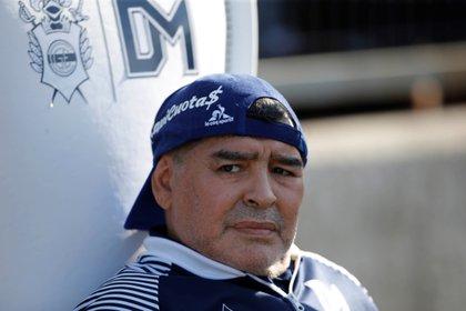 Diego Maradona puede moverse tras expulsión (Foto: EFE / Demian Alday Estévez / Archivo)