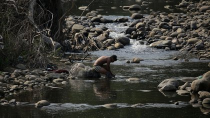 También denuncian que las guerrillas son los principales empleadores de poblaciones aledañas a la frontera entre Colombia y Venezuela.REUTERS/Marco Bello