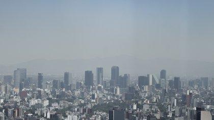 """De acuerdo a la EPA, los niveles de PM2.5 que alcanzó la CDMX estos días son """"muy poco saludables, a sólo un escalón y pocos puntos de la categoría """"Hazardus (high)"""" o """"Alta peligrosidad"""" (Foto: Cuartoscuro)"""