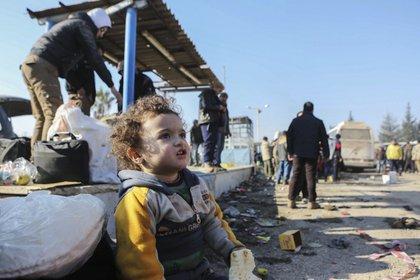La evacuación de 35.000 personas culminó el jueves en medio de acusaciones de crímenes de guerra contra civiles (AP)