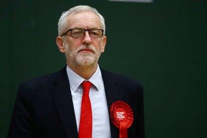 El líder del partido laborista Jeremy Corbyn espera los resultados en la circunscripción de Islington North en Londres (REUTERS/Hannah McKay)